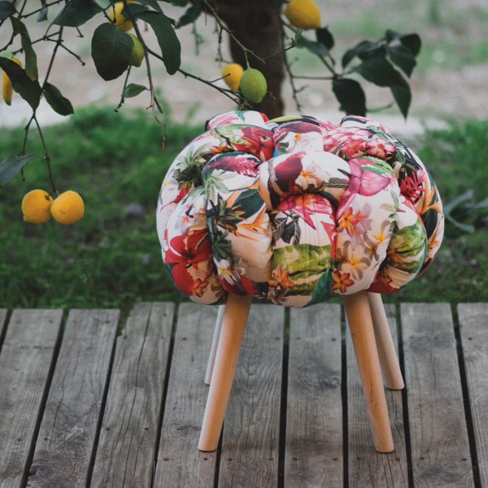 sudnly-ma-t-il-dit-tabouret-nuage-tropical